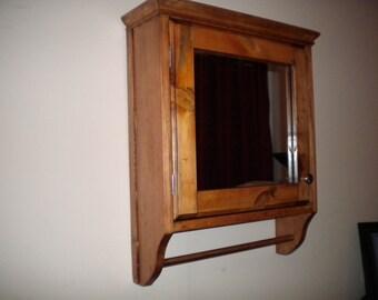 Antique style Pine wood bathroom Medicine storage linen cabinet with mirror