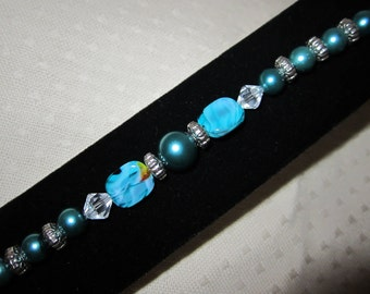 Turquoise glass beaded bracelet