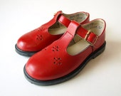 vintage 70s girls red leather MARY JANE t strap SHOES 7.5