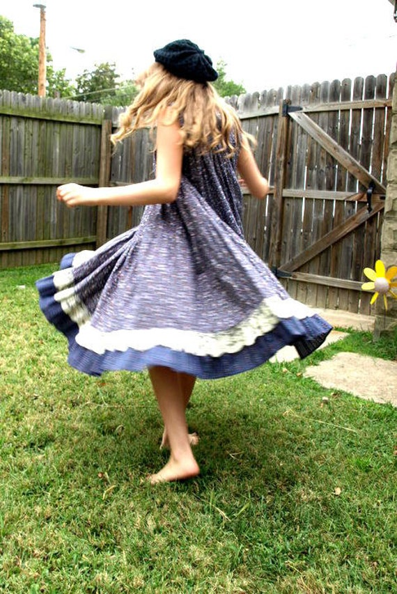 vintage girls twirly 70s prairie FLORAL & LACE full skirt DRESS handmade boho chic juniors youth m/L or adult Xs/s