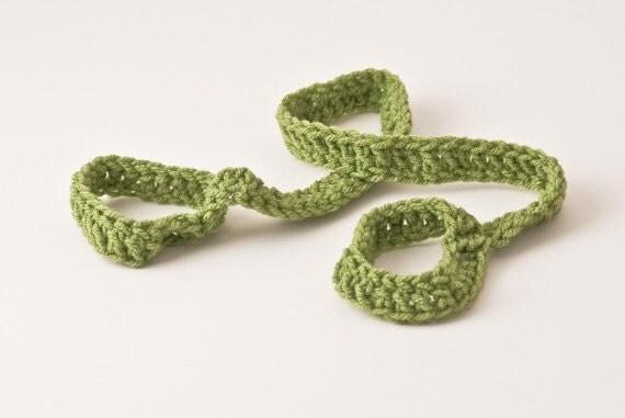 Yoga Mat Strap, Yoga Mat Sling, Tea Leaf Green, Slim Tote Handle - US Shipping Included, Original HH Design