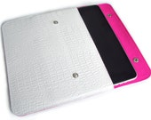 iPad sleeve white faux leather crocostyle & wool felt neon pink