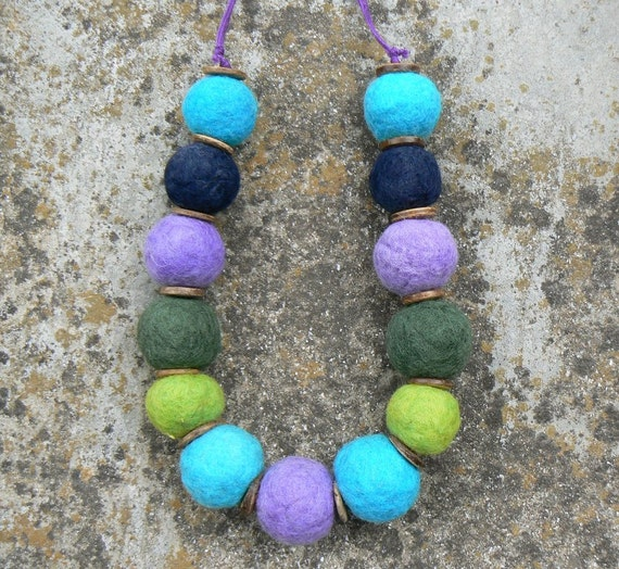 Felted balls chunky necklace