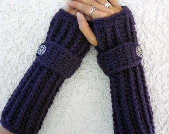 Sugar plum arm warmers, fingerless gloves, texting gloves, crochet gloves, boho gloves, hand warmers, mittens, boho fashion, button gloves
