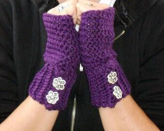 Crochet plum fingerless gloves, texting gloves, boho gloves , wrist warmers, hand warmer, mittens, boho fashion, button gloves, winter glove