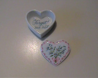 Vintage 1960's ceramic heart shaped box with lid also to be used label pin