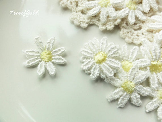 Lace Appliques, White and Yellowe Lace Daisy Lace Embellishment for Jewelry Supplies and Craft Making, 20 pcs of 17mm