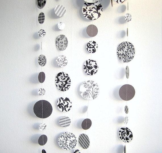 Black and White Circles Paper Garland, Black & White theme Party Decoration, Wedding Decoration, Birthday,  Photo Prop (Handmade)