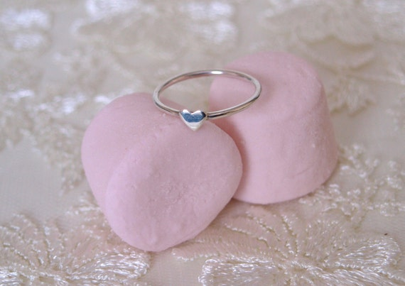 Silver heart ring, Silver ring with a small silver heart.