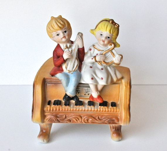 Vintage Piano Music Box - Lullaby