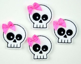SKULL - Embroidered Felt Embellishments / Appliques - White & Black  (Qnty of 4) SCF3075