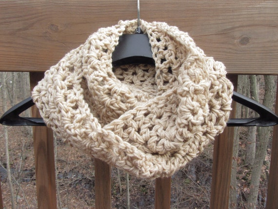 Chunky Infinity Scarf in Beige