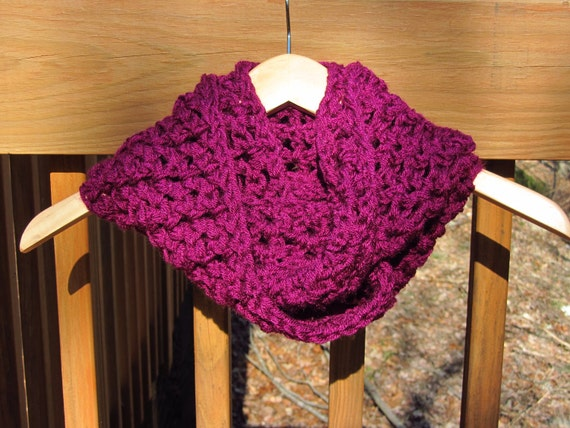 Chunky Infinity Scarf in Wild Berry