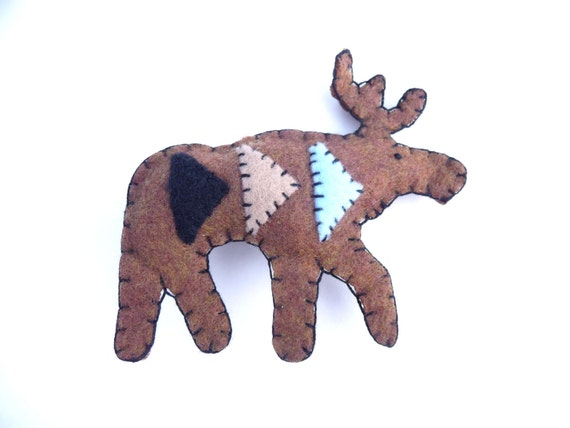 Geometric moose magnet with triangles, number 13