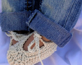 Crochet Baby Booties, baby shoes, ankle-tie shoes