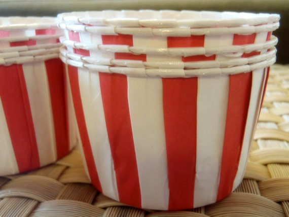 20 pcs Christmas Red Stripe Cupcake Muffin Liners, Candy Cups, Ice Cream Cups, Dessert Cups, Nut Cups