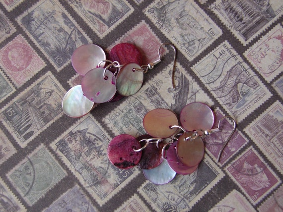 Pierced Earrings Pink Dyed Shell Clusters