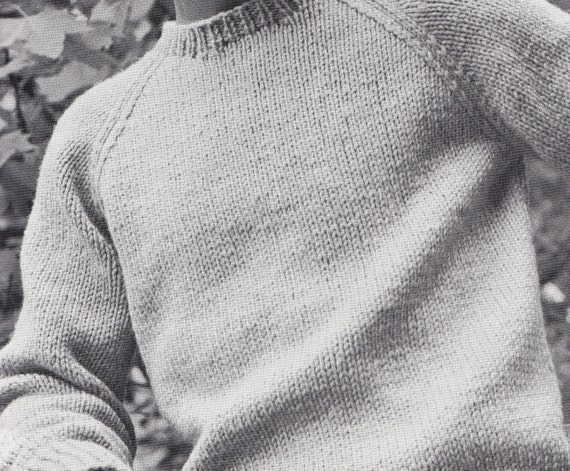 Revolutionary Knitting Circle : Knit mens round neck pullover with raglan sleeves vintage