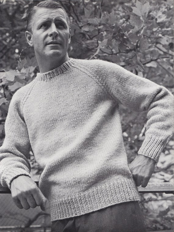 Revolutionary Knitting Circle : Knit mens round neck pullover with raglan sleeves by padurns