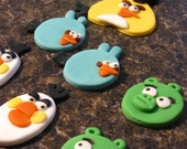 edible cake or cupcake toppers : BIRDS and PIGS