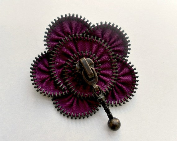 zipper brooch, plum  flower,  Zipper Pin. 2.8 in/ 7 cm,eco friendly, recycled jewelry