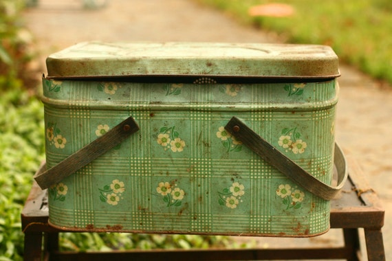 Vintage Mint Green Picnic Basket, Picnic, Home Decor