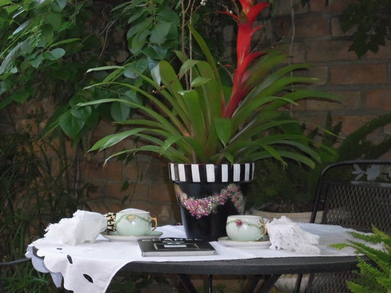 Charming Hand Painted Black Terracotta Garden Planter Pot Floral Swags