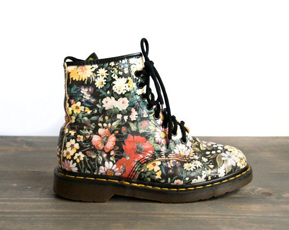 Free shipping BOTH ways on dr martens floral boots, from our vast selection of styles. Fast delivery, and 24/7/ real-person service with a smile. Click or call