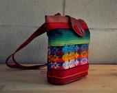 1990s intage vibrant & stylish Guatemalan handbag