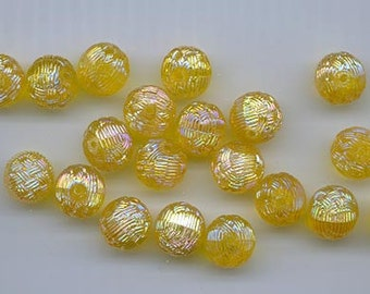 12 beautiful rare vintage Austrian lucite beads - 10.5 mm round golden yellow AB with a basket weave surface