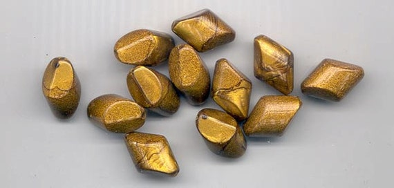 24 pieces gorgeous vintage lucite beads -19 x 11 mm satiny shimmery metallic gold with cool shape