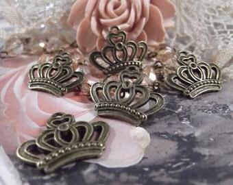 Antique Bronze Regal Crown Charms --- 5 Pieces --- CHM - 060