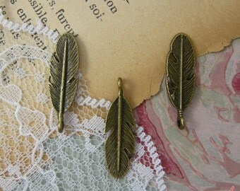 Feather Charms Antique Bronze Feather Charm Woodland Charm Small Feathers Charm Vintage Style Pendant Charm Jewelry Supplies  (BA156)