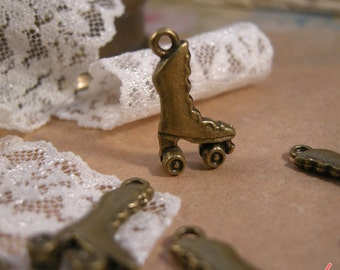 6 Pcs Roller Skate Charms Antique Bronze Skate Charm Roller Derby Charm Shoe Small Charm Vintage Style Pendant Charm Jewelry Supplies  A047