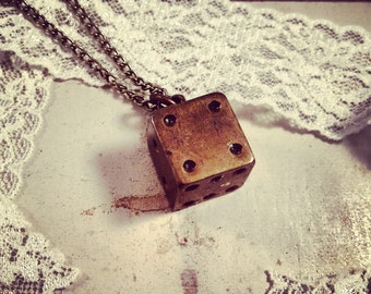 1 pc Vintage Style Dice Pendant Charm Necklace Die Pendant Nautical Antique Brass Bronze CHAIN INCLUDED (BA070)
