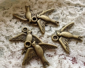 8 Pcs Bird Charms Antique Bronze Bird Charm Small Sparrow Birds Charm Dove Vintage Style Pendant  Jewelry Supplies (BB086)