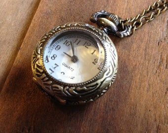 1 Pc Vintage Style Pocket Watch Necklace Glass Jewel Door Pocketwatch CHAIN INCLUDED clear door (BB019)