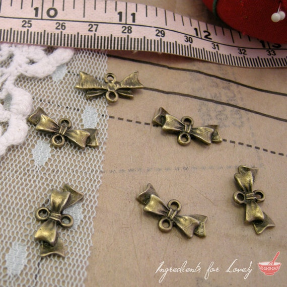 Bow Charms Antique Bronze Bow Charm Connector Small Charm Bow Ties Charm Vintage Style Pendant Jewelry Supplies  (BC125)