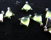 10 pcs Triangle Translucent Limegreen Enamel silver tone base connector links. 0.32 inch.