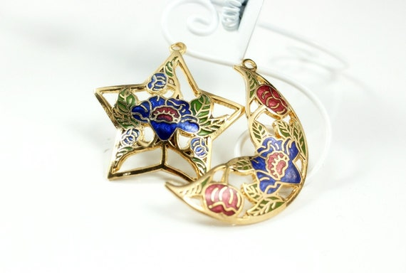 Enamel Charms  -  Open work Star and Moon Bouquet Design Cloisonne Enamel Work Pendants. 1 pair