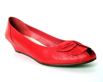 Vintage 80s WESTIES Peep Toe Red Leather Wedges 6.5 Vtg Red Leather Flats 6.5 Shoes