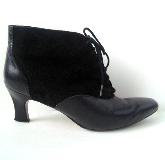 Vintage 80s Granny Lace up Black Leather Suede Ankle Boot 7.5