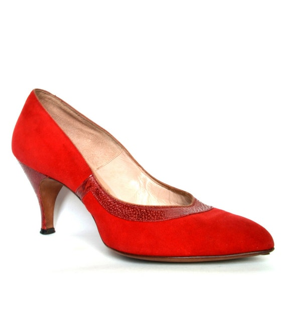 Vintage 50s Red Bombshell Suede Leather Pumps 6.5