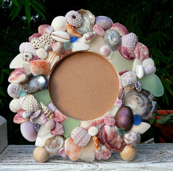 Sea Glass and Hawaiian Seashell Circular Picture Frame