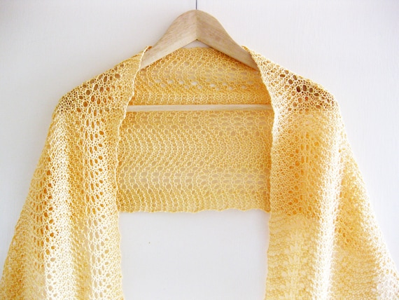 Linen scarf / shawl hand knit in pale yellow feather and fan lace
