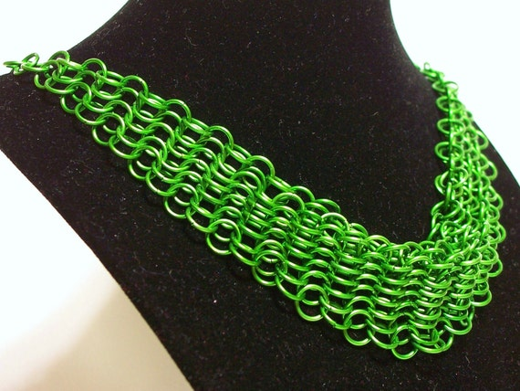 Green Bib Necklace / Chainmaille Choker