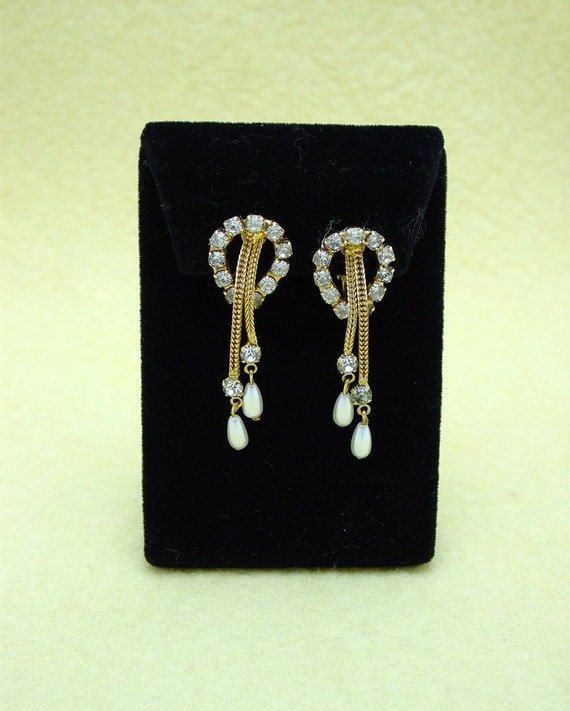 Vintage Costume Jewelry Gold Tone Clip Earrings