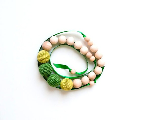 SALE 30%-Nursing Necklace/Teething Necklace-Wooden and Crochet Necklace-Green-Summer fashion-Ready to ship
