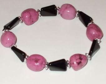 Pink magnesite stretch bracelet.
