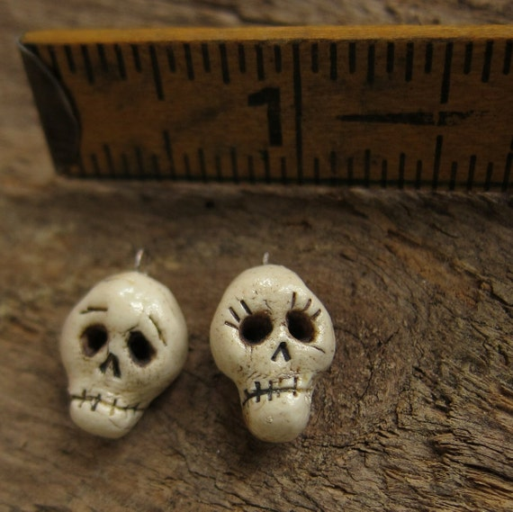 Pretty little skull beads she and him detailed porcelain